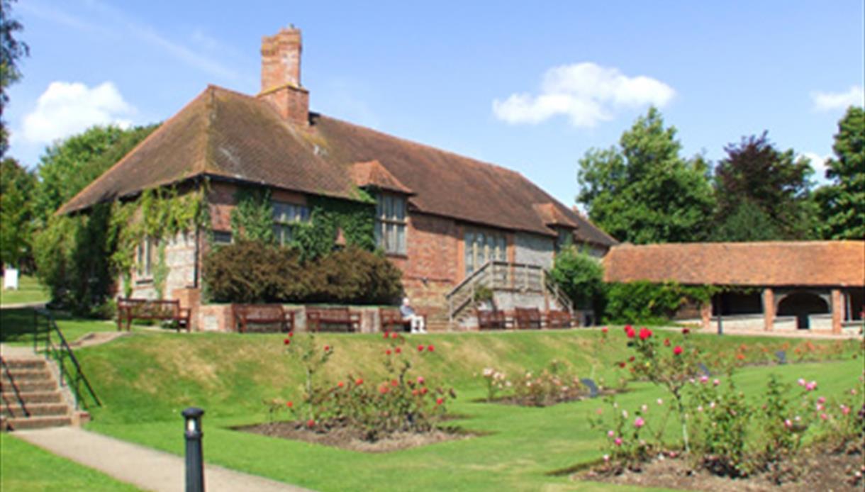 Manor Gardens, copyright TLindfield/BStorkey
