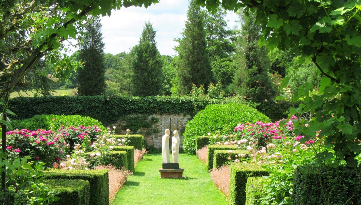 PASHLEY MANOR GARDENS East Sussex Rose Garden