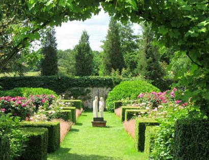 PASHLEY MANOR GARDENS East Sussex Rose Garden
