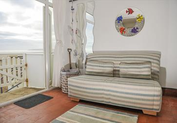 Beach front accommodation, Camber Sands, Camber beach, Self catering on the beach. Beach House Camber