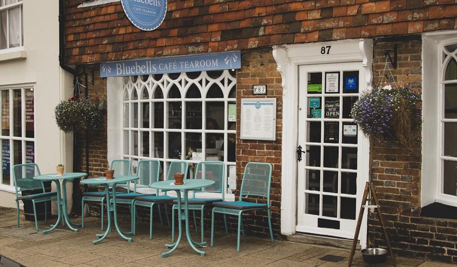 Bluebells Tearoom, Battle