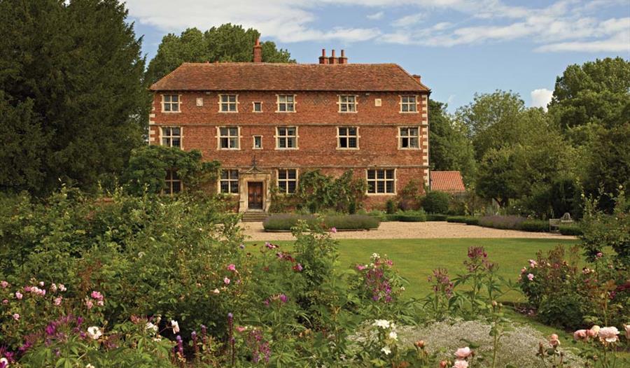 Aubourn Hall Gardens