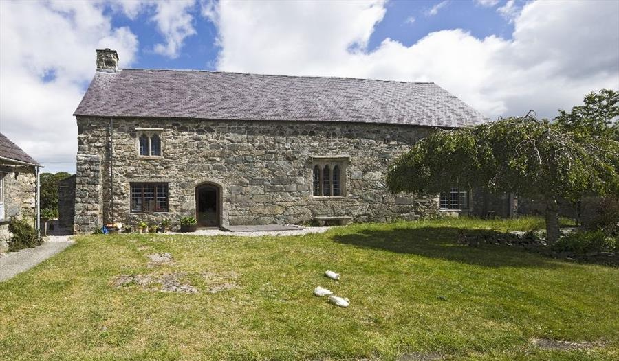 Cochwillan Old Hall