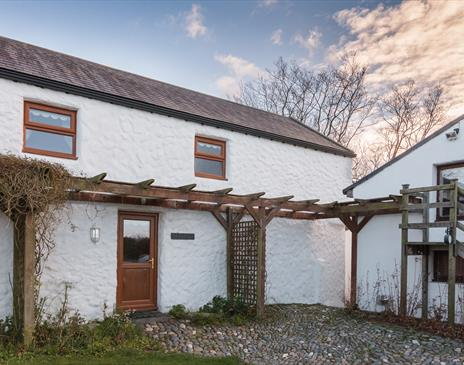 Close Taggart Cottages