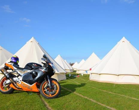 Hotel Bell Tent - Ballakermeen TT campsite