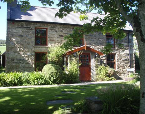 Honeysuckle Cottage exterior
