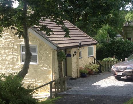 External shot of cottage