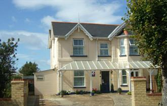 Outside view of Claremont Guest House, Shanklin, B&B