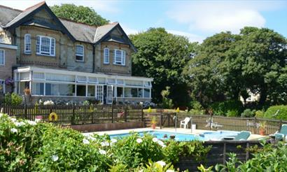 Isle of Wight, Accommodation, Hotel with Swimming Pool, Shanklin, Luccombe Manor