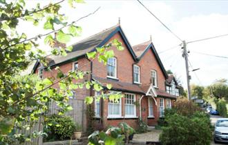 Isle of Wight, Accommodation, Self catering, Totland Bay,
