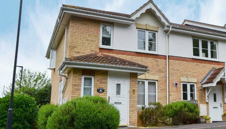 Isle of Wight, Accommodation, Self Catering, Marina View, East Cowes