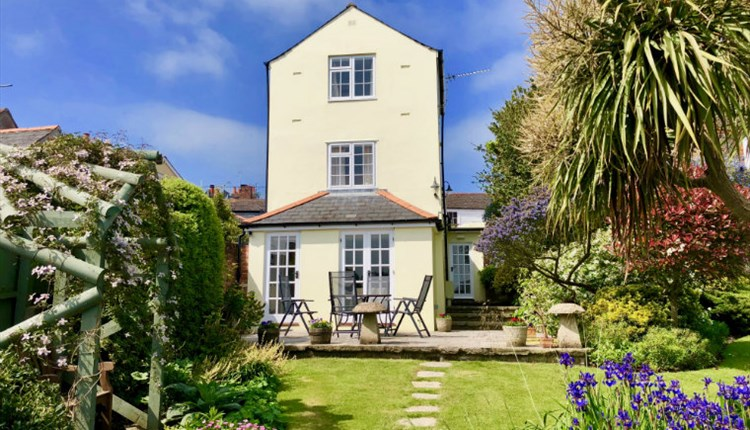 Isle of Wight, Accommodation, Self Catering, Mulberry Cottage, COWES