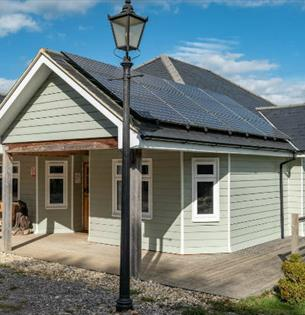 Red Squirrel Lodge - Self Catering, Isle of Wight