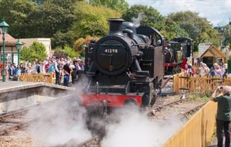Isle of Wight, things to do, Isle of Wight Steam Railway, 50th Anniversary Gala, Image of steam train coming into station