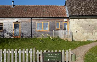 Isle of Wight, Accommodation, Self catering, Moor Farm, Outside image