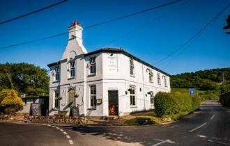 Isle of Wight, Accommodation and Eating Out, The Highdown Inn, Totland