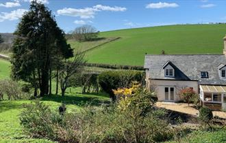 Isle of Wight, Accommodation, Rowborough Cottage, Image Showing beautiful views over Cottage and surrounding countryside