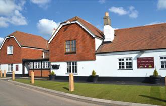 Outside view of the Chequers Inn, Isle of Wight, Eat & Drink