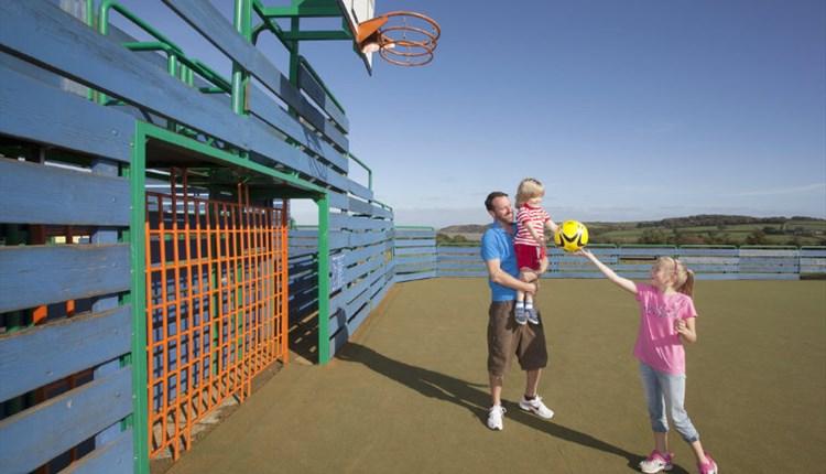 Thorness Bay Holiday Park, Accommodation, Family Basket Ball