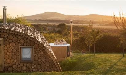 Isle of Wight, Tapnell Farm Holiday Destination, Tom's Eco Lodge, Modulog Accommodation with Hot Tub overlooking downs