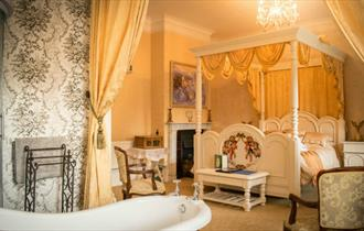 Isle of Wight, Enchanted Manor, Accommodation, Unique Experience
