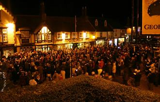 Isle of Wight, Christmas Carols in the Square, Yarmouth, Christmas Event, Things to Do