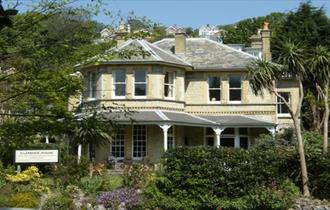 Clarence House Holiday Apartments