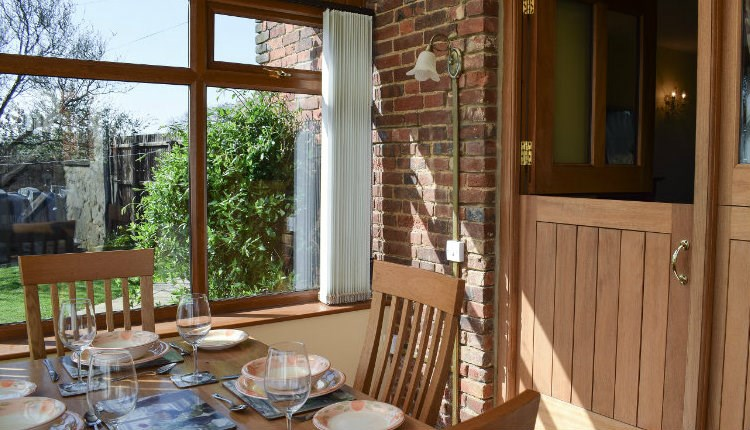 Isle of Wight, Dean Croft Holiday Cottage, Godshill, Dining / Conservatory