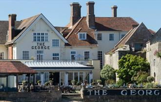 Isle of Wight - Yarmouth - The George Hotel & Restaurant - Garden