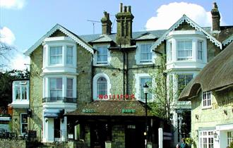 Isle of Wight, Accommodation, Holliers Hotel, Shanklin, Outside