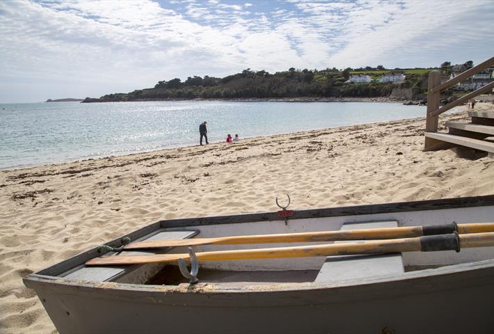 Porthcressa beach shot with boat.