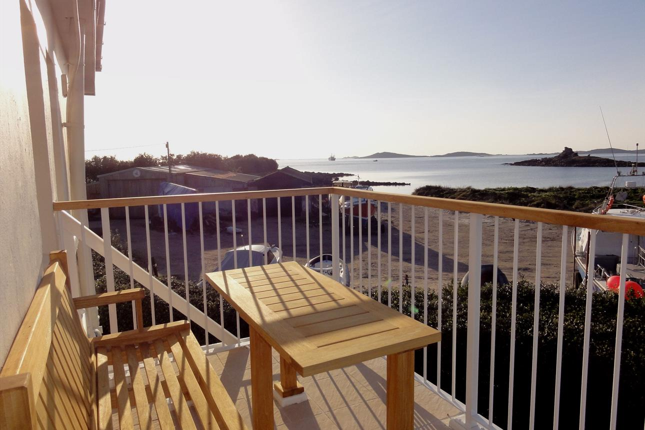 Golden Eagle, apartment, sea view, balcony, holiday, beach, Glandore, St Marys, Isles of Scilly, Scilly
