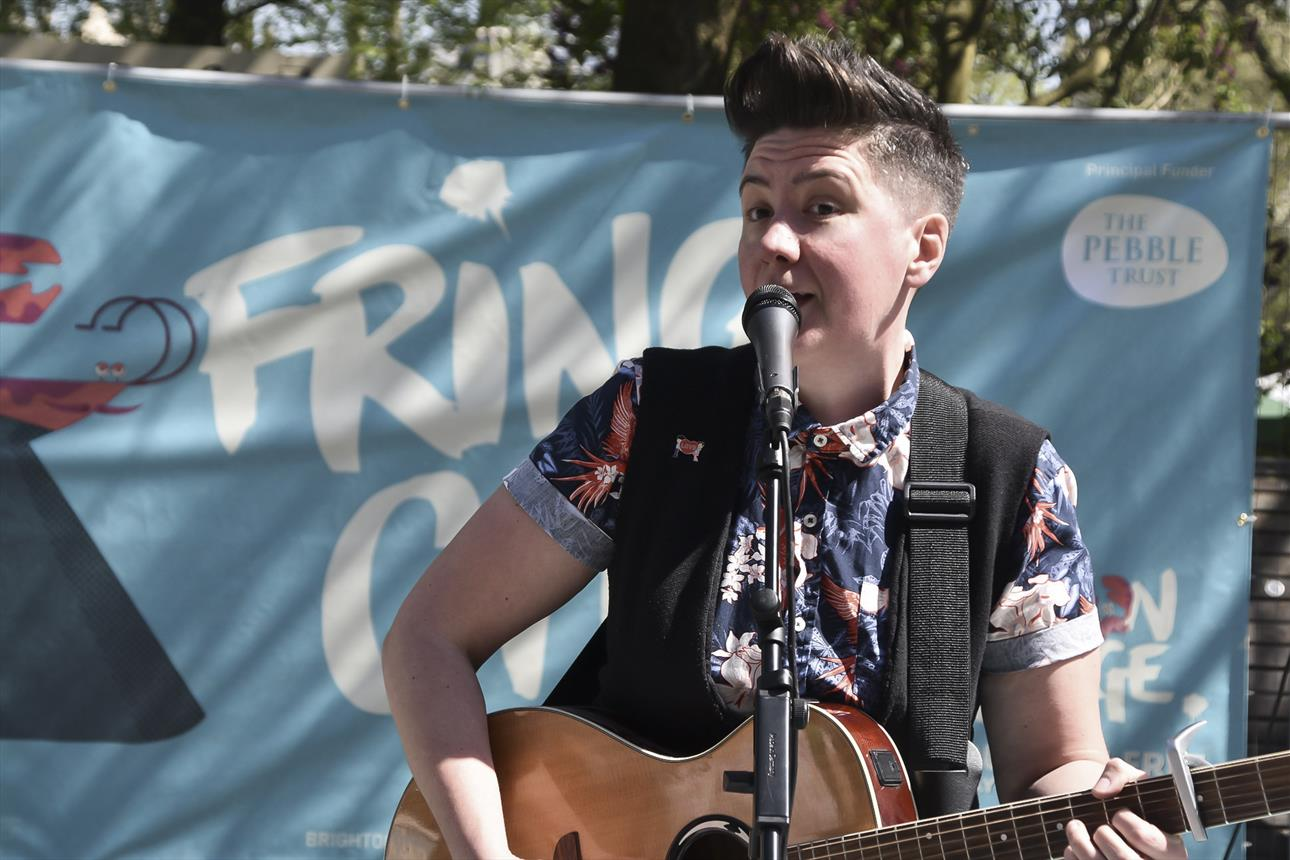 Hannah Brackenbury performing at Fringe City.