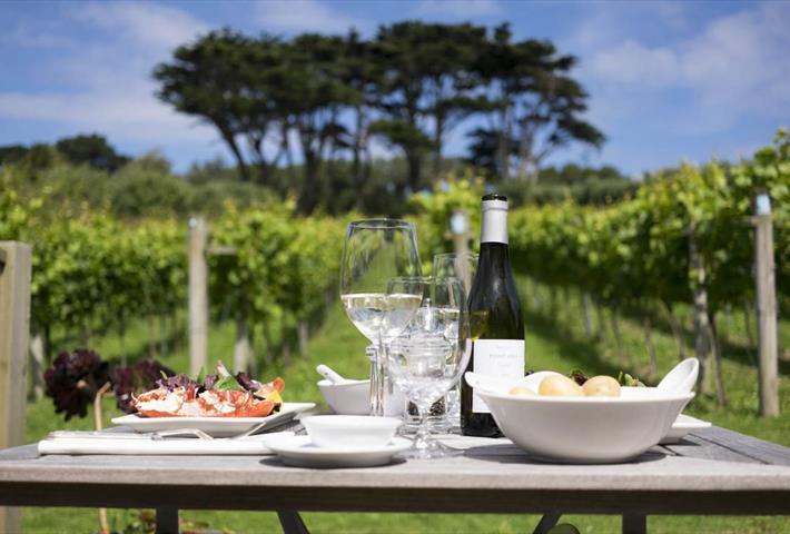 Holy Vale Vineyard & Winery