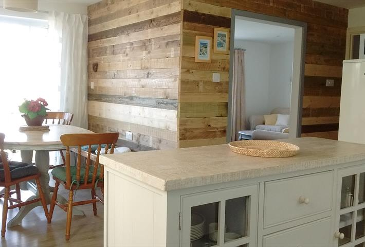 Kitchen image.