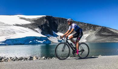 Biking to Juvasshytta