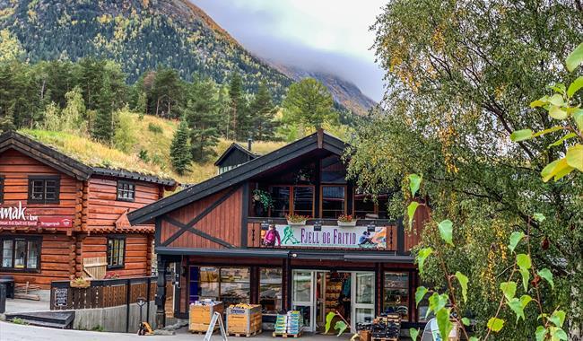 Fjell og Fritid, sports store in Lom national park village.