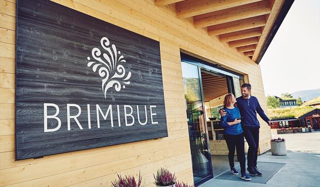 Entrance, BrimiBue
