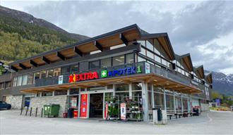 Entrance at Coop Extra.