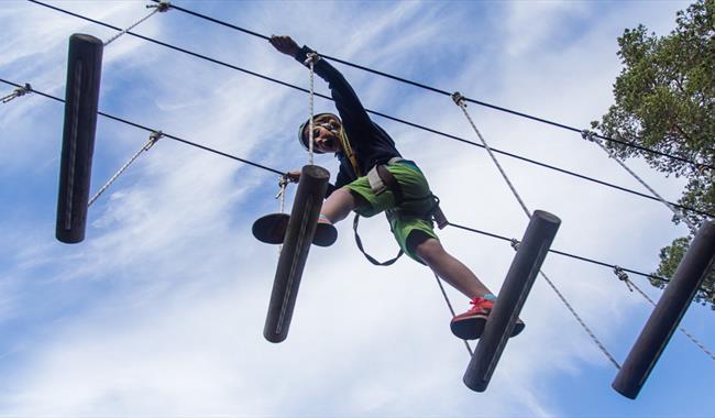 Climbing in Galdhøpiggen High Rope Course - Aktiv i Lom