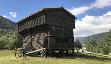 The large Storehouse, Lom