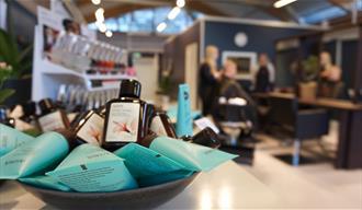 Tuppein | Hair dresser and nail saloon