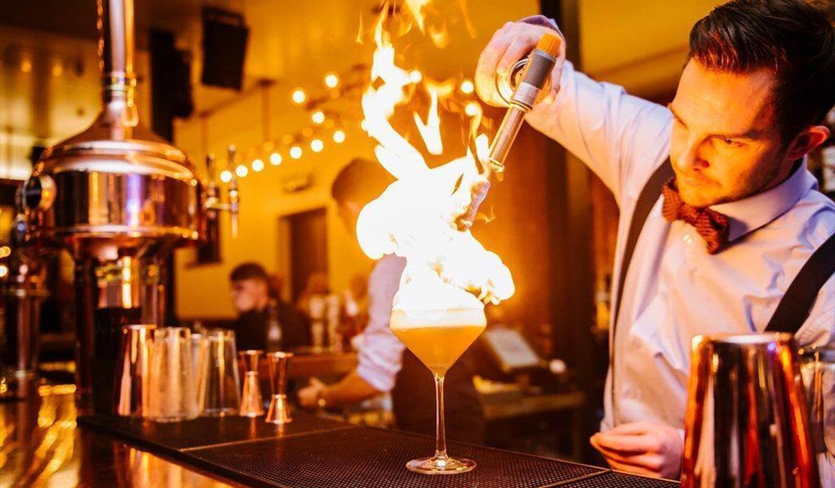 1842 Restaurant & Bar
