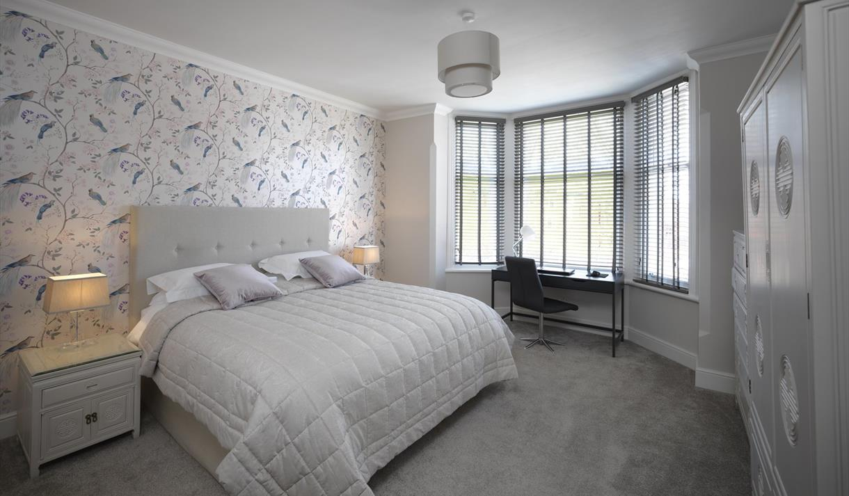 Paramount Luxury Serviced Apartments