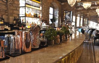 1823 Spinning Block Bistro, Bar & Grill