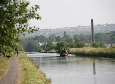 The Straight Mile' - Leeds and Liverpool Canal