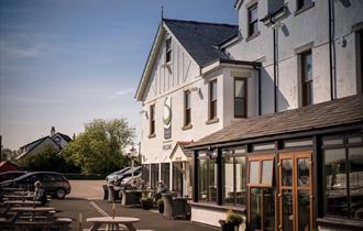 The Shard Riverside Inn