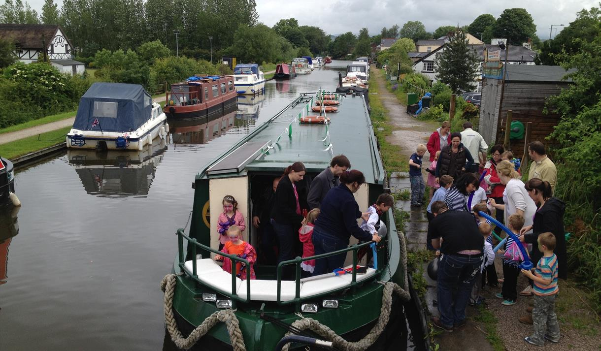 Lancaster Canal Cruises