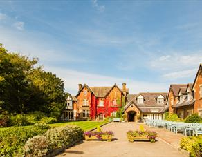 Exterior or The Villa Country House Hotel