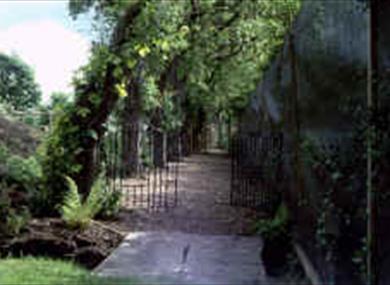 Hazelwood Garden, Bretherton Gardens